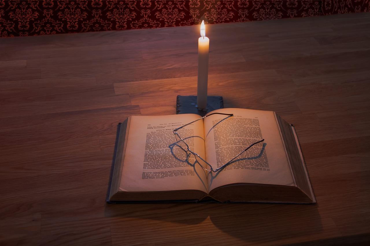 おまけ:夜は読書灯に最適